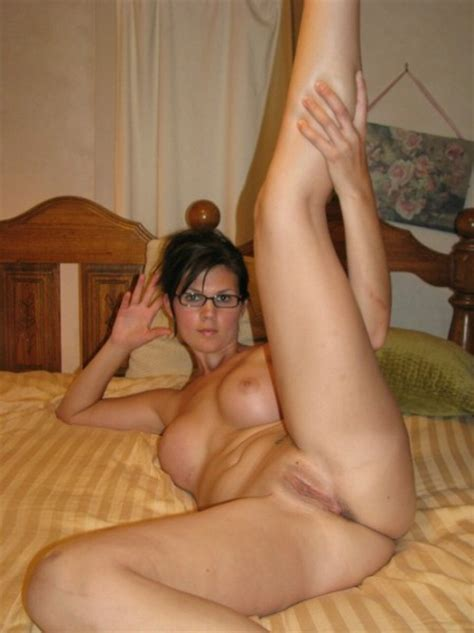 Horny Amateur Milf Spreading Her Legs Private Milf Pics