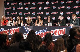141201_0446   PRETTY LITTLE LIARS - Lucy Hale, Shay ...