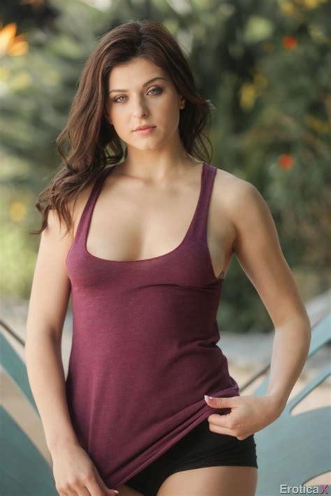 Leah Gotti Cute Sexy