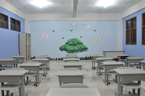 ruang kelas sdit luqman al hakim sleman