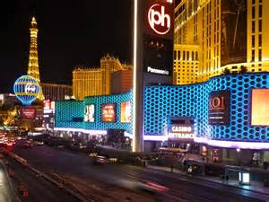 onmilwaukee travel visitors guide las vegas shines neon lights on economic recovery