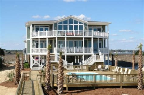 12 Bedroom Ocean Front! Perfect For Family...