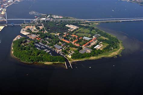 daenholm wikipedia