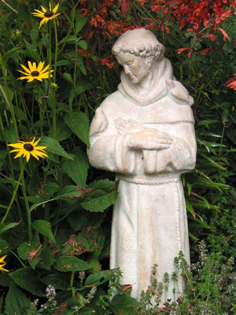 file saint francis statue in garden jpg wikimedia commons