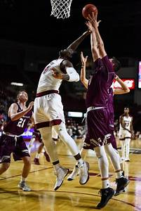 UMass men's basketball travels to Richmond for first of ...