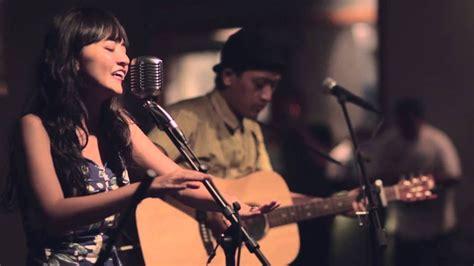 Setidaknya, begitulah kata bam mastro, vokalis dari band elephant kind, sebuah grup musik indie yang lahir pada tahun 2013. 4 Band Indie Indonesia yang Masuk Kancah Internasional | Indie, Industri musik, Musik indie