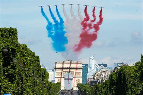 bastille day  paris fireworks parade parties paris
