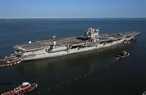 L'USS Enterprise revient à Newport News 55 ans après sa ...