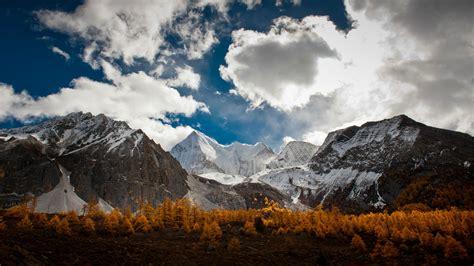 Wed 28 Oct Cet 2015  Gorgeous Mountain Range, Landscape