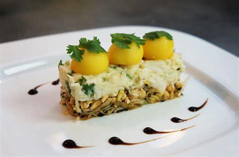 crepes hervé cuisine crabe fondant citronné à la coriandre mangue et noix de