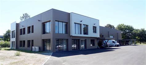 m駭age dans les bureaux construction métallique architecturée cubique usage bureaux stockage et ateliers dép 33