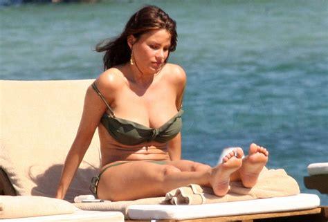 pictures  sofia vergara wearing  bikini  italy