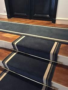Tapis En Bois : tapis d 39 escalier en 70 cm de large pose clou e sur bois ~ Teatrodelosmanantiales.com Idées de Décoration