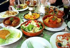 Frankreich Essen Und Trinken : essen und trinken in europa reisef hrer auf wikivoyage ~ A.2002-acura-tl-radio.info Haus und Dekorationen