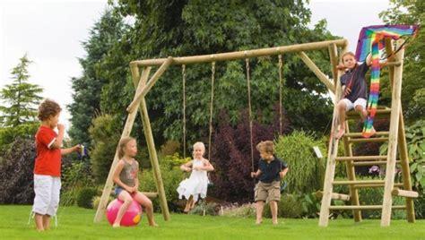 les jeux de plein air entretenez et embellissez votre jardin avec mr bricolage
