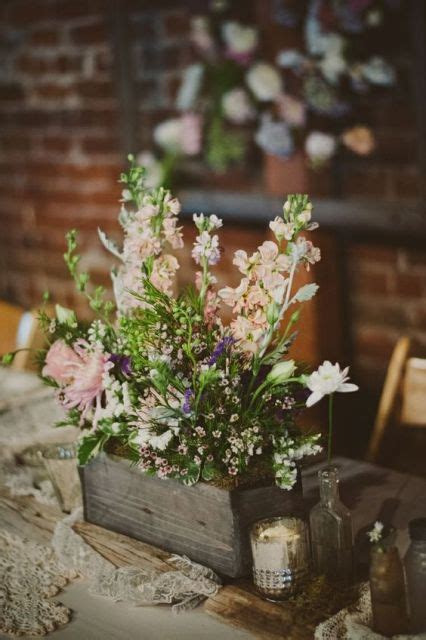 20 Cute Ideas To Incorporate Waxflowers Into Your Wedding