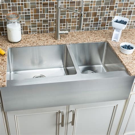 hahn fh010 flat apron farmhouse 60 40 bowl stainless steel sink lowe s canada