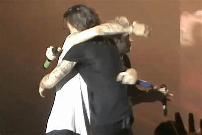 Larry Stylinson Hugging Tight Louis Harry Carefully