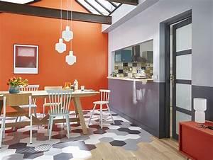rencontre carrelage hexagonal et parquet cuisine With couleur pour mur salon 14 la cuisine noire inspiration cuisine