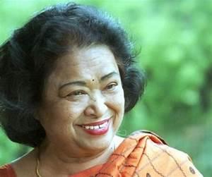 Shakuntala Devi Biography - Childhood, Life Achievements ...