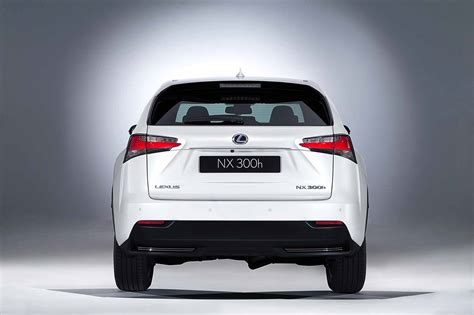 comparison lexus nx    toyota  hr hybrid