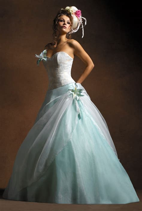 wedding dresses  trends colored wedding dresses