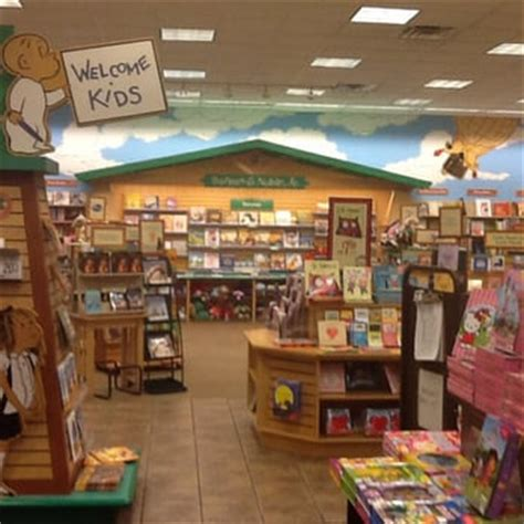 Barnes Noble Chandler Az by Barnes Noble Booksellers 24 Photos 40 Reviews