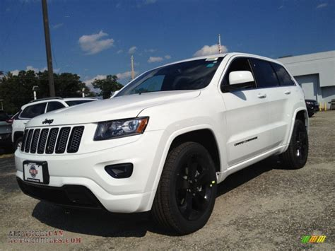 jeep cherokee white 2015 jeep grand cherokee altitude 4x4 in bright white