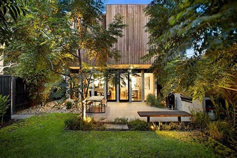 melbourne australia luxury home   ultimate backyard