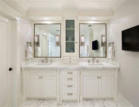 white mediterranean bathroom design interior applied white
