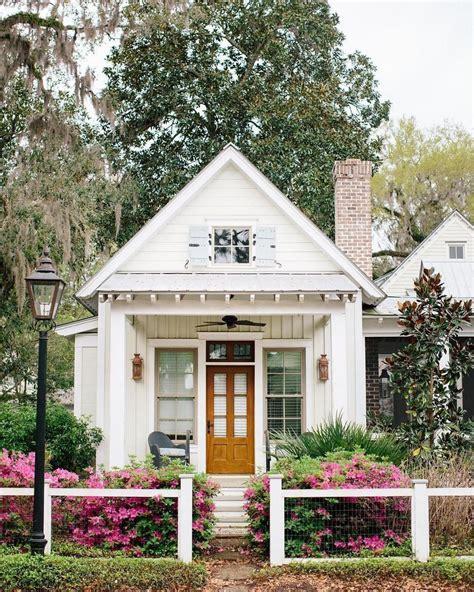 small cottage house plans  hotelsremcom