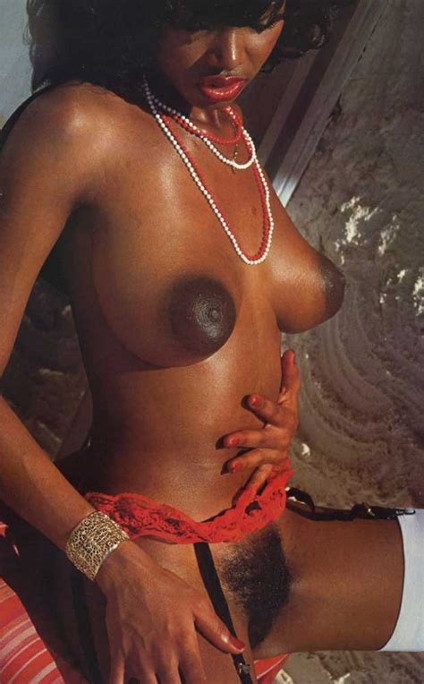 In Gallery Retro Ebony With Great Tits Picture Uploaded By Carskywalker On