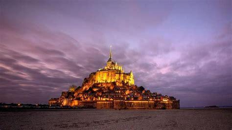 coucher de soleil sur le mont michel picture of abbaye du mont michel mont st