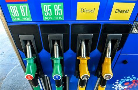 hausse prix carburant la hausse du prix des carburants nouvelle 233 pine dans le pied du gouvernement
