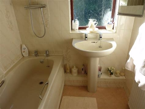 chagne coloured bathroom suite in sheffield south