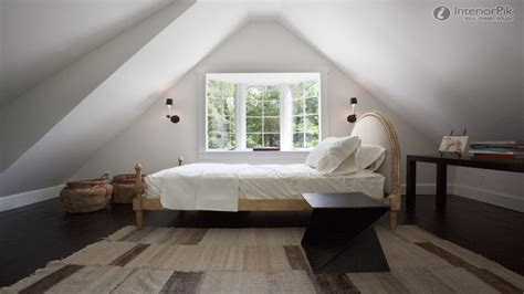 Ideas For Bedroom With Slanted Ceiling by Guest Bedroom Decor Ideas Attic Bedrooms With Slanted