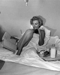 1953 Bel Air Hotel Session Bed - Marilyn par André De ...