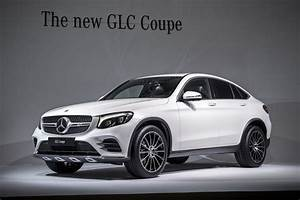 Coupe Mercedes : mercedes benz glc coupe looks interesting in the flesh carscoops ~ Gottalentnigeria.com Avis de Voitures