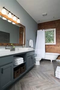 Rustic, Bathroom, With, Wood, Grain, And, Gray, Tones
