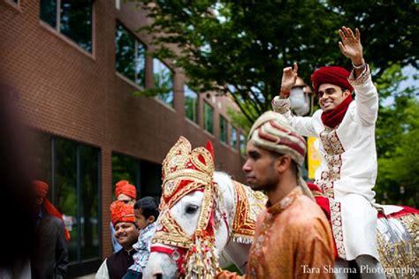 indian wedding groom baraat horse photo