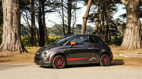 Fiat 500e Review by 2015 Fiat 500e Review The 2015 Fiat 500e Gives Eco Chic