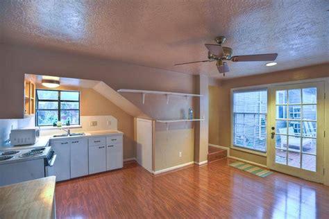 garage apartment nice efficient space bedroom upstairs