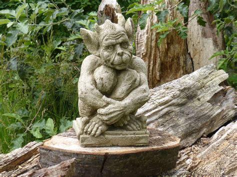 Sitting Gargoyle Garden Ornament Gothic Statue Sculpture