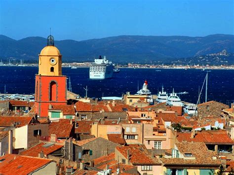 port de st tropez file hauteurs de tropez port et clocher jpg wikimedia commons