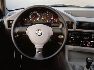 Bmw M5 Fiche Technique : bmw e34 la s rie 5 de troisi me g n ration auto forever ~ Maxctalentgroup.com Avis de Voitures