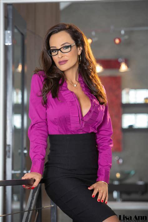 Lisa Ann Big Tit Tight Skirt Secretary Feel The Curves