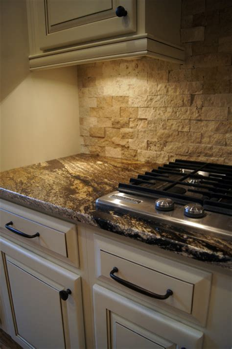 pictures of backsplashes in kitchens ccff kitchen cabinet finish ii traditional kitchen 7442