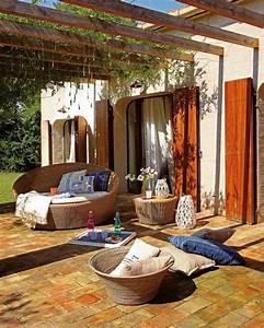 Pergola Holz Modern : pergola markise entspannend berdachte terrasse modern ~ Michelbontemps.com Haus und Dekorationen