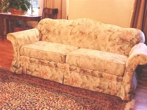 Camel Back Sofa Cover by Cozy Cottage Slipcovers Camel Back Sofa