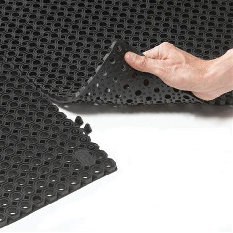 tapis caillebotis caoutchouc exterieur 39932 tapis id 233 es